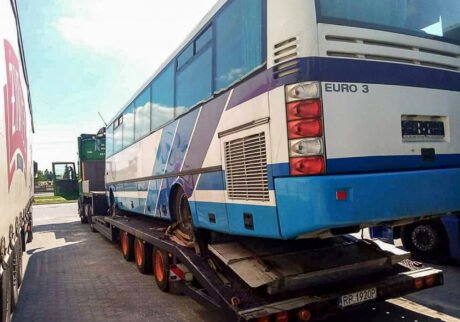 Pomoc drogowa Opatów - transport autobusu
